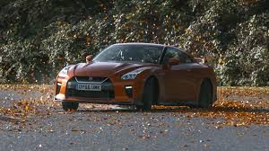Nissan Gtr 2017 - chris harris vs the 2017 nissan gt r top gear