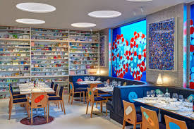 7 restaurants with incredible art collections