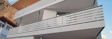 balkone alu alubalkone holzbalkone alu balkone in holzoptik