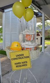 Construction Party Centerpieces by Best 25 Hard Hats Ideas On Pinterest Dump Truck Party