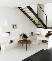 escalier entre cuisine et salon créer un petit salon d accueil dessous un escalier