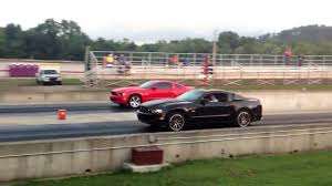 2014 Black Mustang Drag Racing A Red 2014 Mustang Gt 6speed And A Black 2013 Gt