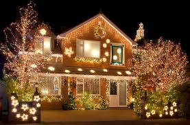 Christmas Decorations For The Outside by What Christmas Decor Is Not Safe For Roofs Modernize