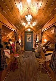 schlafzimmer mit dachschrã ge gestalten de pumpink design bett massivholz