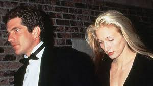 carolyn bessette carolyn bessette kennedy was reportedly terrified of the paparazzi