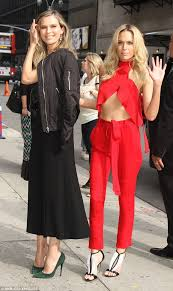 tolanda foster clothes erin and sara foster amaze as they share thoughts on yolanda hadid s