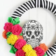 Halloween Eyeball Wreath 23 Cute Diy Halloween Decorations Easy Homemade Halloween Decor