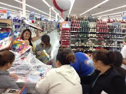 crowds for crayons at duarte wal mart on thanksgiving latimes