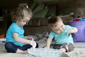 easy sensory play cornstarch and water