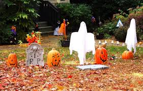 Halloween Yard Decorations 40 Funny U0026 Scary Halloween Ghost Decorations Ideas