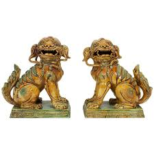 large pair of majolica foo dogs foo and garden ornaments