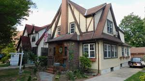 donald trump u0027s childhood home in queens sells u2014 see inside today com