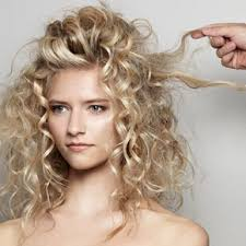 Natural Wavy Hairstyles Best 25 Blonde Curly Hair Ideas On Pinterest Dyed Curly Hair