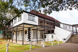 chambre style colonial chambre et terrasse dans le style colonial photo stock image du