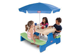 little tikes furniture toys little tikes r easy store tm picnic table with blue umbrella