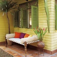 canapé style indien 10 idées déco pour vivre dehors avec style canapés indiens et lits