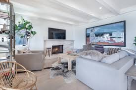 leonardo dicaprio lists his long time malibu pad curbed la it s not a total surprise that dicaprio is selling the property variety noted in 2015 that the house was being leased for a peak season summer rate of