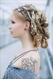 viking anglo saxon hairstyles hairstyles married viking women would not wear their hair loose