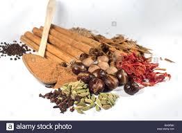 cloves spice spoon condiment stock photos u0026 cloves spice spoon