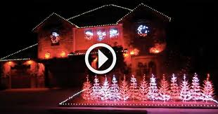 christmas lights in alabama video family syncs christmas lights to yea alabama in impressive