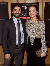 alicia vikander and oscar isaac in ex machina movie review lainey