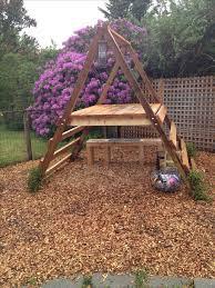 Backyard Play Structure by Best 20 Simple Playhouse Ideas On Pinterest Backyard Play Kids
