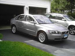 volvo s40 volvo s40 2 4i 2009 auto images and specification