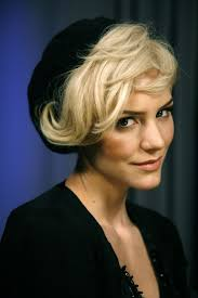 old fashioned short hair short retro waves textured hairstyle for women women hairstyles