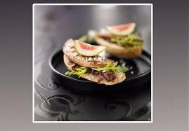 canap foie gras le glam s canapé foie gras figues et roquette recette sur