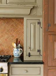 Kitchen Cabinet Fixtures Best 25 Colonial Kitchen Ideas On Pinterest Pantry Kitchen
