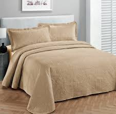 White Bedspread Bedroom Ideas Bedroom Luxury White Bedding Bed Sets Or Curtains With Brown