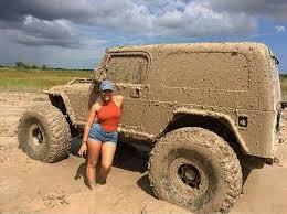 muddy jeep girls mud jeep yep that be me suvs jeep truck