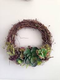 succulent wreath succulent wreath saturday march 28th 10 12 pm the craftery