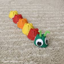 adorable egg carton turtle craft and a caterpillar and frog too