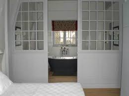 salle de bain dans une chambre chambre parentale salle de bain parentale des idées pour séparer