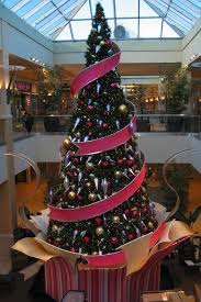 Christmas Decorations 2017 This Christmas Tree In This Shopping Mall Is Created With Tension