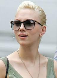 piercing ureche 15 celebrități și piercing urile lor tatuaje brasov salon
