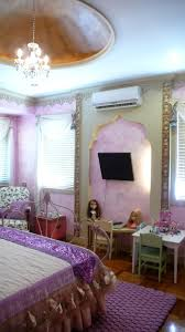 daphne moroccan themed house