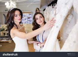 when to shop for a wedding dress how to shop for wedding dress how to go wedding dress shopping an