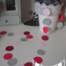 accessoire chambre fille guirlande papillons papier poudré gris fuchsia