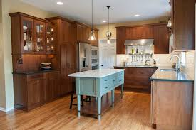 Dura Supreme Cabinet Construction Dura Supreme For A Transitional Kitchen With A Supreme And