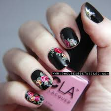 20 truly pretty floral nail designs black nails doc martens and
