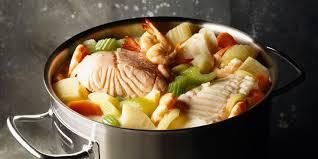 cuisiner un pot au feu pot au feu de la mer recettes femme actuelle