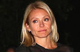 kelly ripa hair style this is why kelly ripa hairstyles is so famous kelly a pren