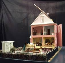 museum of miniature houses and other collections in top