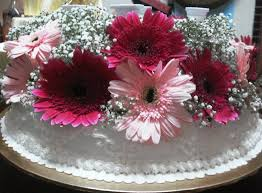 charm bakers gerbera wedding cake and cuppies rjcc jb
