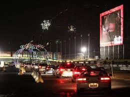 atlanta motor speedway lights 2017 millions of lights thousands of visitors hundreds of displays