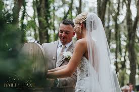 Rustic Barn Wedding Dresses Taylor Ethan Florida Rustic Barn Wedding U2014 Bailey Lane Photos