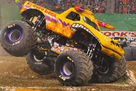 monster truck show in indianapolis big monster truck jam houston kahuna back flip youtube texas