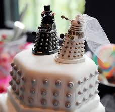 nerdy cake toppers 38 nerdy wedding cakes you ll delishably